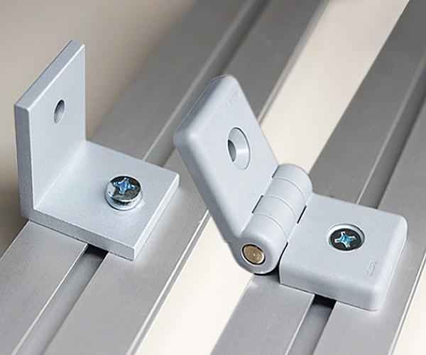 Die Messewände können im rechten Winkel oder im beliebigem Winkel verbunden werden.