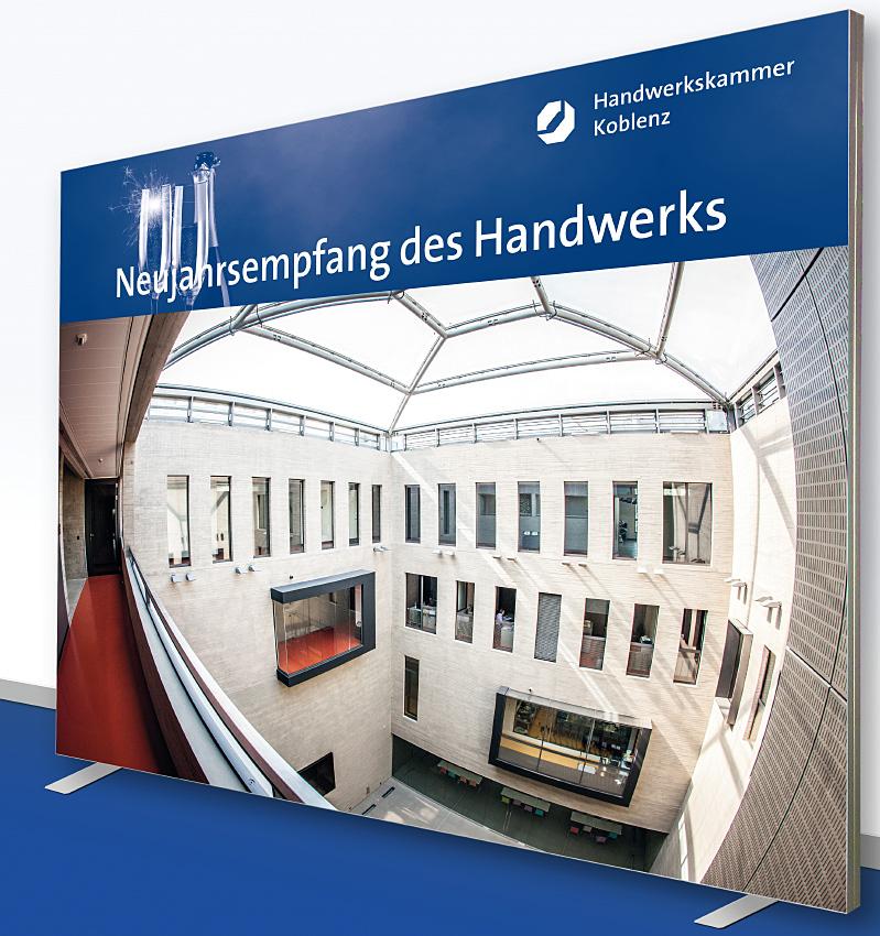 Pressewand Handwerkskammer Koblenz 300 x 250 cm