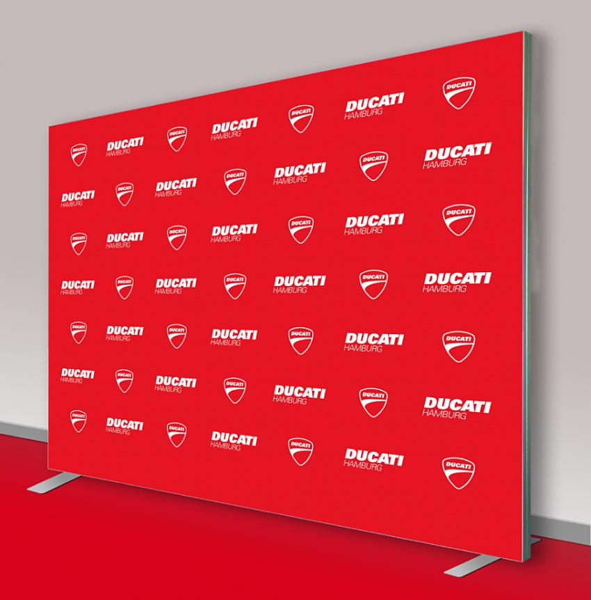 Werbewand Ducati 300 x 250 cm