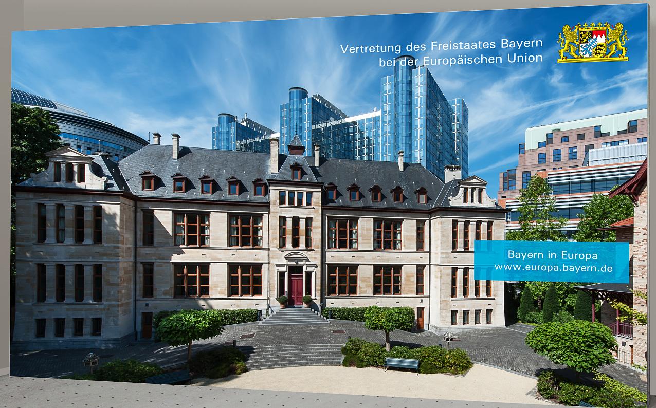 Pressewand Bayern in der EU 500 x 300 cm