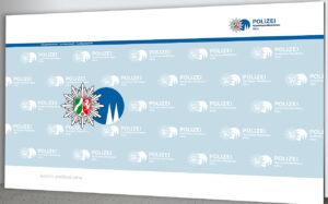 Pressewand Polizei Köln 500 x 300 cm