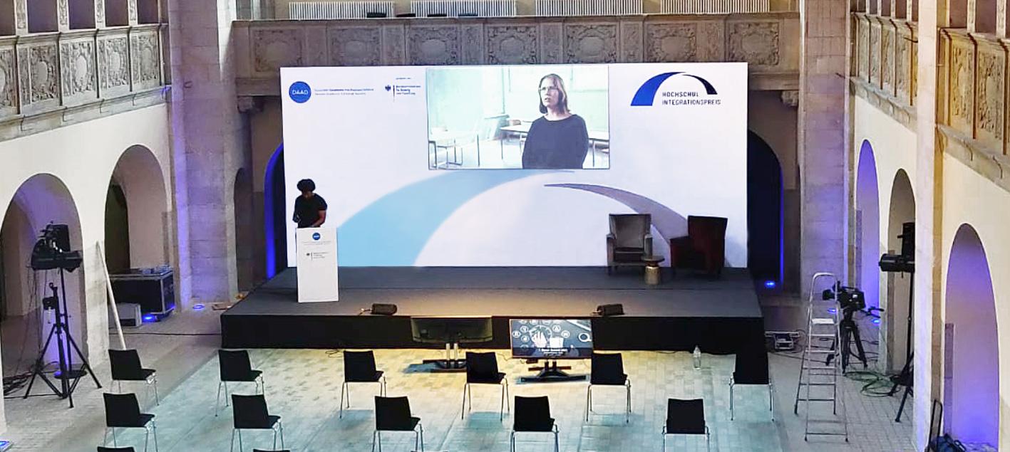 Bühnenrückwand Beamerwand 800 x 400 cm